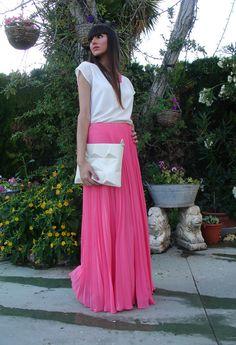 pleated skirt. <3