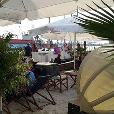 #mafflumomente Tag 10: #eingang Hier geht's zum #beachclub #delmar  #maimotive @evamafflu #hamburgmeineperle #hamburg #hafen #igershamburg #ahoihamburg #hamburgliebe #blogger #beautyblogger #androidography