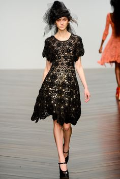 John Rocha Fall 2013 Ready-to-Wear - Collection - Gallery - Style.com