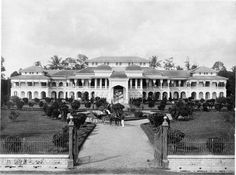 Antique and Classic Photographic Images. Sultan's Palace, Medan/Deli (Indonesia), Photographer: C. Old Pictures, Old Photos, Sultan Palace, Lake Toba, Dutch East Indies, Dutch Colonial, Medan, Archipelago, East Coast