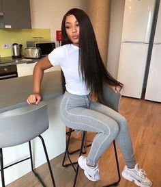 Here is Grey Leggings Outfit Idea for you. Grey Leggings Outfit 31 grey legging outfit ideas you need to try huge in Grey Grey Leggings Outfit, Grey Outfit, Lazy Day Outfits, Cute Outfits, Unique Outfits, School Outfits, Trendy Outfits, Summer Outfits, Casual Hairstyles