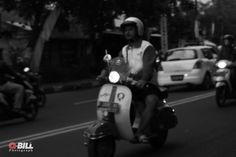 Strong old 💪 . . . . #myexplore #qbillphotograph #duniakupunyacerita #eosm3 #streetphotography #canonindonesia #shoottime #candid #photo #vespa #oldschool #ngaprakbandung #monochrome