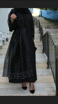 Pin by Dazzling Girl on Abaya in 2019 Abaya Fashion, Muslim Fashion, Modest Fashion, Fashion Dresses, Modest Dresses, Simple Dresses, Casual Dresses, Abaya Designs, Dress Designs