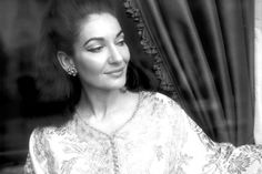 Opera diva Maria Callas in her happier days, before Ari dropped her for Jackie. Maria Callas, Music Icon, Art Music, Heaviest Woman, Star Wars, Patti Smith, Opera Singers, Beautiful Voice, Perfect Woman
