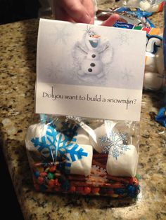 """Build Your Own Snowman   14 Must-Have Ideas For Throwing Your Own """"Frozen"""" Themed Party"""