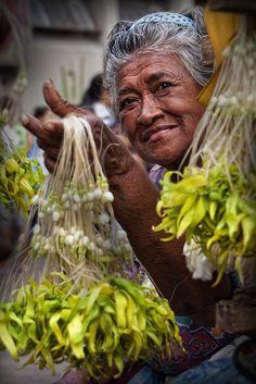 Quiapo Church, Manila - Flower seller