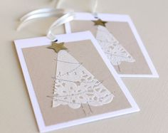 beautiful christmas cards using paper doilies Beautiful Christmas Cards, Diy Christmas Cards, Homemade Christmas, Simple Christmas, White Christmas, 242, Theme Noel, Homemade Cards, Holiday Crafts