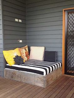 31 Brilliant Porch Decorating Ideas That Are Worth Stealing