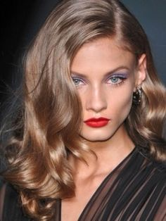 Can anyone tell me how to get my light brown hair this colour?? I LOVE it x