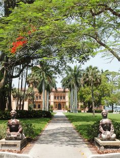 Ca' d'Zan is frequently described as the last of the Gilded Age Mansions built in America.  It was built in 1924 by John and Mable Ringling with architect Dwight James Baum. Sarasota, Florida
