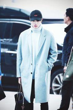 BTS Jin airport fashion: blue overcoat, turtleneck, 424 cap