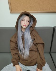 South Korean Girls, Korean Girl Groups, Winner Ikon, Rain Jacket, Bomber Jacket, Soyeon, Soo Jin, Short Girls, K Idols