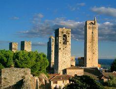 Les #tours de #SanGimignano : une ville fortifiée en #Toscane