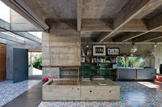 """madabout-interior-design: """" Brazilian Design: architect Paulo Mendes da Rocha's home in Sao Paulo. His aesthetics: innovative use of concrete and steel , clean lines, plants and vintage, industrial. Arch Interior, Interior Architecture, Interior And Exterior, Interior Design, Concrete Interiors, Concrete Houses, Concrete Fireplace, Brutalist, New Homes"""