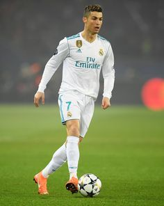 Cristiano Ronaldo Photos - Cristiano Ronaldo of Real Madrid in action during the UEFA Champions League Round of 16 Second Leg match between Paris Saint-Germain and Real Madrid at Parc des Princes on March 6, 2018 in Paris, France. - Paris Saint-Germain Vs. Real Madrid - UEFA Champions League Round Of 16: Second Leg