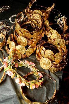 Accessory detail from Dolce & Gabbana SS14. http://www.dazeddigital.com/fashion/article/17282/1/dolce-gabbana-ss14