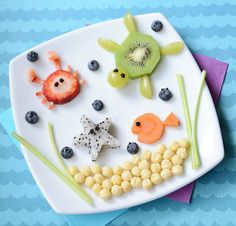 14 Insanely Cute Food Art Creations To Make This Summer Looking for fun kid-friendly summer activities? Try out these insanely cute, healthy, and surprisingly easy food art ideas that every kid will love to make and eat! Easy Food Art, Cute Food Art, Food Art For Kids, Snacks For Children, Fruit Art Kids, Cute Snacks, Snacks Für Party, Kid Snacks, Ocean Snacks