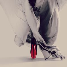 "Christian Louboutin OFF! ""Fetish at your finger tips. The dance on the pointes from genius Christian Louboutin. In admiration! Latex Fashion, Fashion Boots, Fashion Models, Fashion Tips, Fashion Trends, Fashion Designers, Runway Fashion, Fashion Outfits, Louboutin High Heels"
