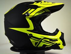 2014 Fly Racing Carbon Dubstep Black Hi Viz Motocross Helmet The Carbon sets itself apart with a unique style and identity all its own. Utilizing state-of-the-art, aircraft grade carbon fiber and Kevlar® composite construction, the Carbon repres Dirt Bike Helmets, Dirt Bike Gear, Motocross Helmets, Racing Helmets, Bicycle Helmet, Motocross Racing, Dubstep, Bmx, Ducati