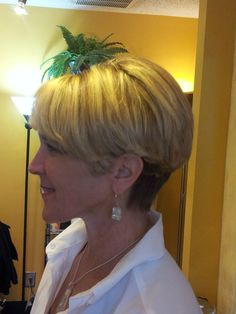 Bonnie wedge haircut with multicolor weave Short Wedge Hairstyles, Short Wedge Haircut, Chic Short Hair, Over 60 Hairstyles, Short Hair Updo, Short Hairstyles For Women, Bob Hairstyles, Short Hair Styles, Short Haircuts