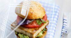 Burger au tofu et au guacamoleVoir la recette duBurger au tofu et au…