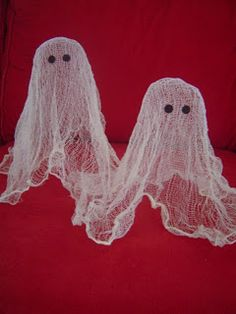 Easy Halloween Craft: Cheesecloth Ghost {Cheese Cloth Ghost}