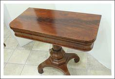 Antico tavolino da gioco Cappuccino in mogano massello 1840 Italia. Scrittoio Antiquariato