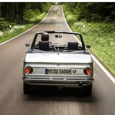 804 отметок «Нравится», 4 комментариев — BMW 2002 (0==[][]==0) (@2002fanatic) в Instagram: «It almost time for top down driving... photo by @german.cars #bmw2002 #bmw02 #bimmer #bavarian…»