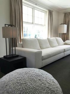 Interieur met layer by adje lampen