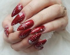 White and red laces christmas nail art paint your nails in adorable snowflake for gel Xmas Nail Art, Xmas Nails, Christmas Nail Art Designs, Cute Nail Art, Beautiful Nail Art, Christmas Nails, Snowflake Nail Design, Dark Red Nails, Red Nail Designs