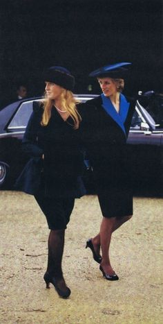 1988-12-25 Diana and Sarah on the way to Christmas Day Service in Sandringham