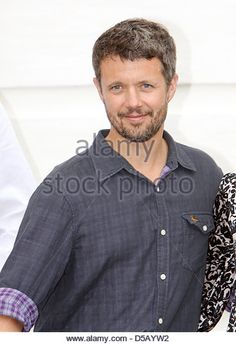 Danish Crown Prince Frederik poses for the media at Grasten Slot in Grasten, Denmark, 28 July 2010. Danish royal family gathered at Graasten Castle for their summer vacation. Photo: PATRICK VAN KATWIJK - Stock Image