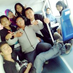 moment of togetherness with friends in City Tour Bus... I love it ♥