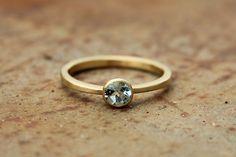 or 18 k anneau avec aigue-marine par badenmueller sur Etsy