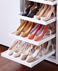 Wohnideen-für-Schuhregal-selber-bauen_kreative-schuhaufbewahrung-für-kleiderschrank