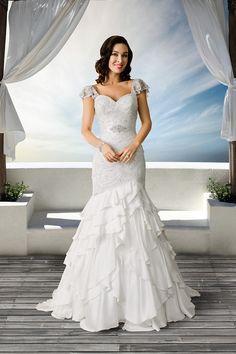 Roz la Kelin Wedding Dresses Photos on WeddingWire