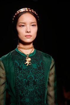 Valentino Spring 2014 Ready-to-Wear Fashion Show - Malaika Firth (OUI)