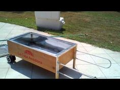Arnold the Pig-La Caja Asadora, La Caja China, Cuban Pig Roaster home video - YouTube