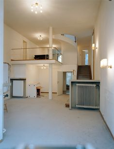 PRA275008 Josef Frank, World Of Interiors, Home Studio, Beautiful Interiors, Bauhaus, My Room, Modern Architecture, Townhouse, Interior Design