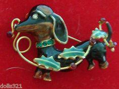 Adorable Dachshund Pup Christmas Figural Dog Pin,Vintage,Holly & Rhinestone eye