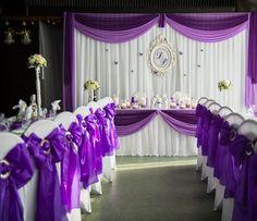 decoración de boda en color púrpura y blanco