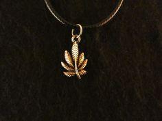 Anhänger mit Kette 24 Karat Vergoldet Blatt Hanfblatt Marihuana Cannabis