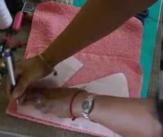 Crea Un Lindo Porta Papel Higiénico DIY De Muñeca Para Tu Cuarto De Baño   Manuaidades eli Free Pattern, Daisy, Ideas, Sewing Dolls, Fabric Dolls, Cloth Doll Making, Handmade Dolls, Embroidered Gifts, Apron Patterns