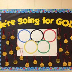 Olympics bulletin board - could use with a mini reading challenge - Silver pentathlon books) Gold Decathlon books) Sports Theme Classroom, First Grade Classroom, Classroom Activities, Classroom Decor, Preschool Ideas, Classroom Incentives, Craft Ideas, Olympic Idea, Olympic Games