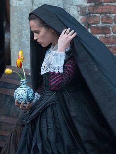 Alicia Vikander as Sophia Sandvoort in Tulip Fever Michael O'Connor 17th Century Fashion, 18th Century Dress, Period Costumes, Movie Costumes, Dutch Golden Age, Fairytale Fashion, Alicia Vikander, Cloaks, Fantasy Dress
