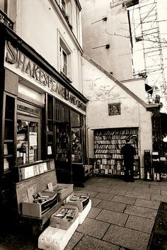Shakespeare and Co. - Paris