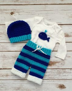 Crochet Whale Baby Boy Layette 3 Piece set por BellaBeansCrochet