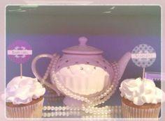 Cupcakes & tea cups
