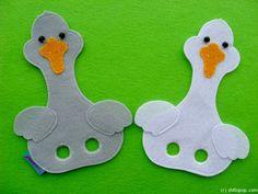Bird Crafts, Felt Crafts, Diy And Crafts, Puppet Toys, Puppet Crafts, Felt Finger Puppets, Hand Puppets, Hl Martin, Finger Puppet Patterns