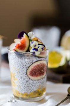 Overnight Vegan Chia Pudding| www.wildeorchard.co.uk| We LOVE these Chia Puddings with Vegan Coconut yogurt. Make em in jam jars for the perfect breakfast to-go.